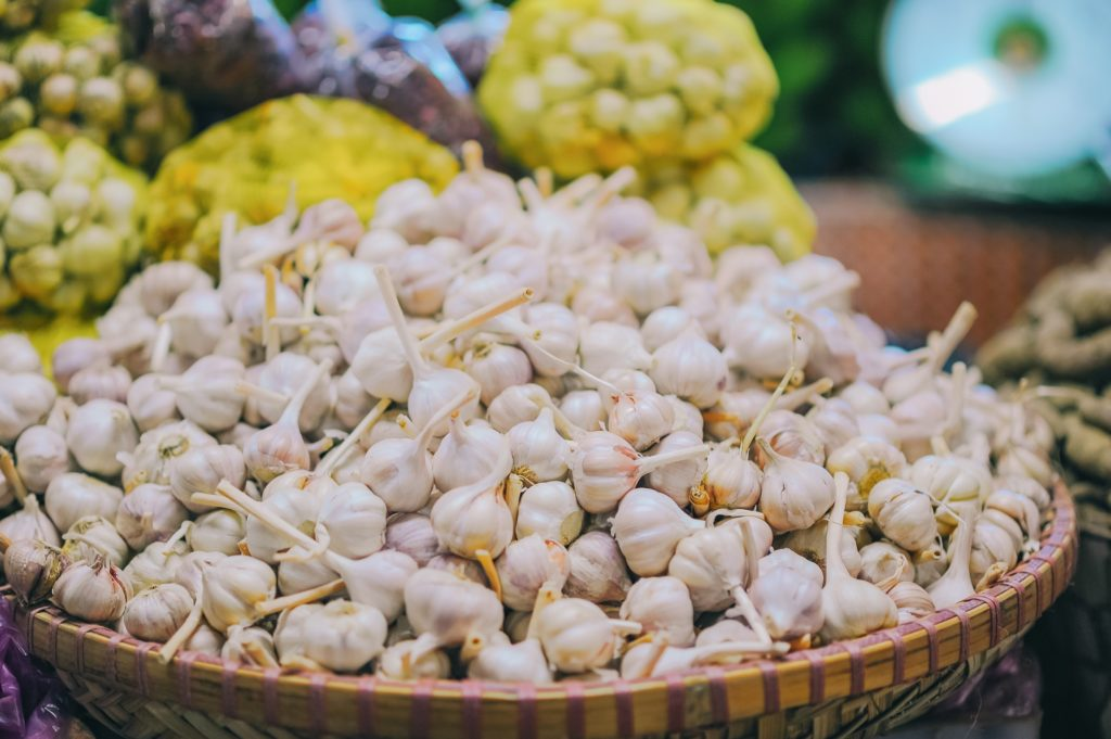 Grow Garlic in Home Garden