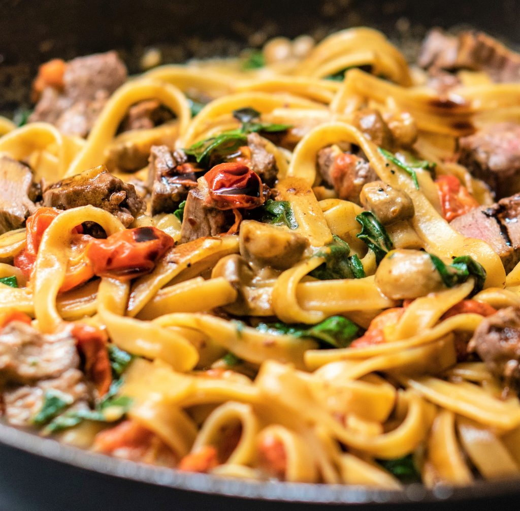 creamy pasta with mushroom and spinach