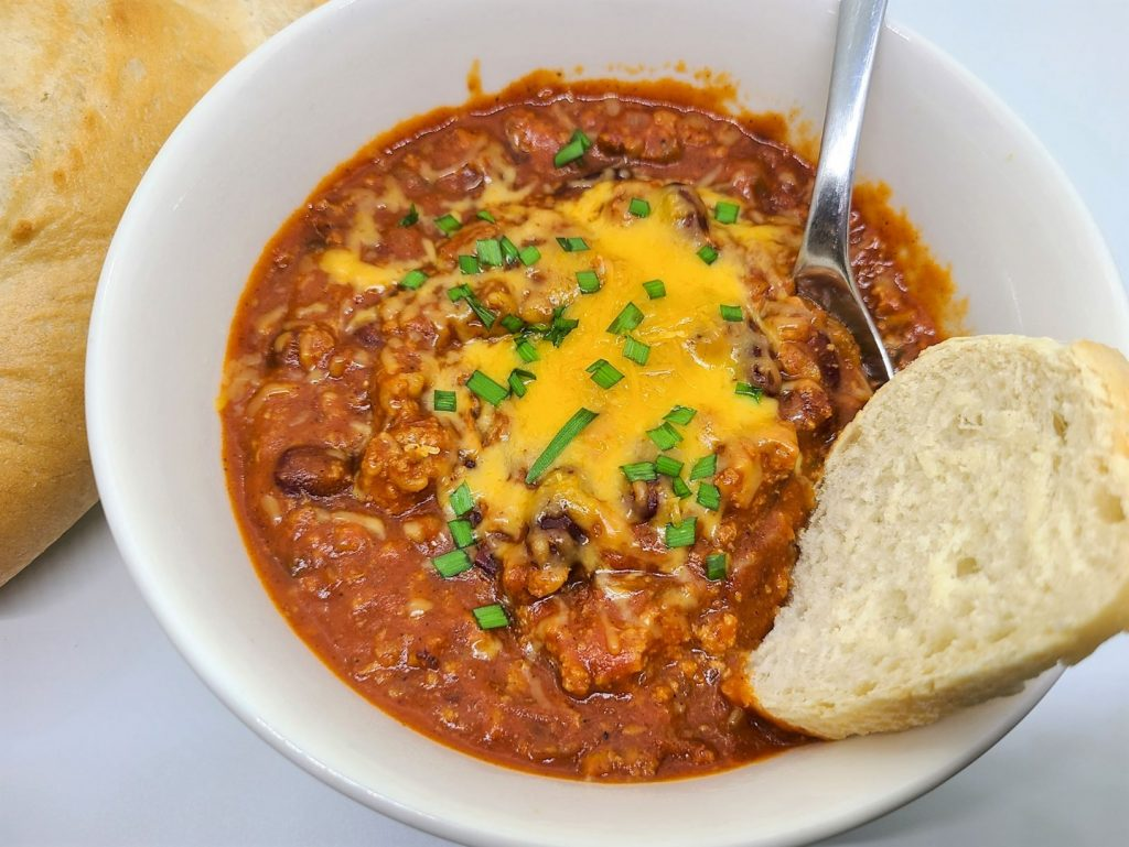 low carb turkey chili recipe using ground turkey instead of beef in a slow cooker or crock pot